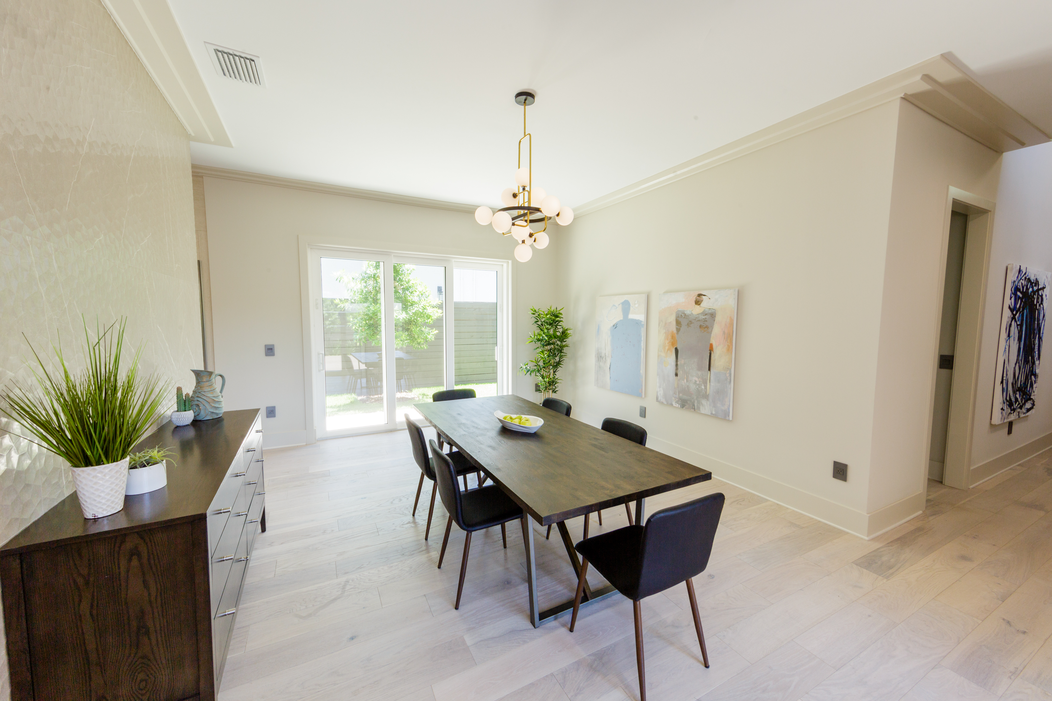Grinnell Modern: Dining Room